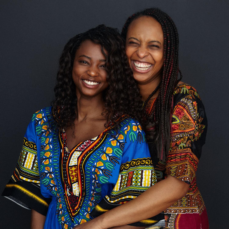 madre hija afroamericana